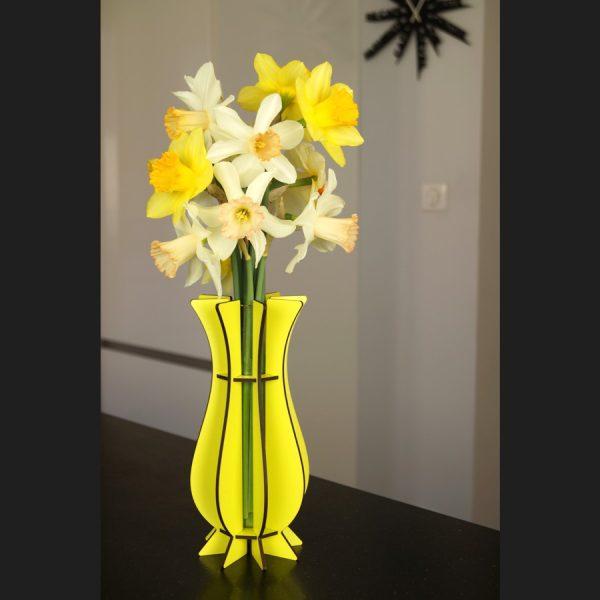Vase jaune en bois Mum