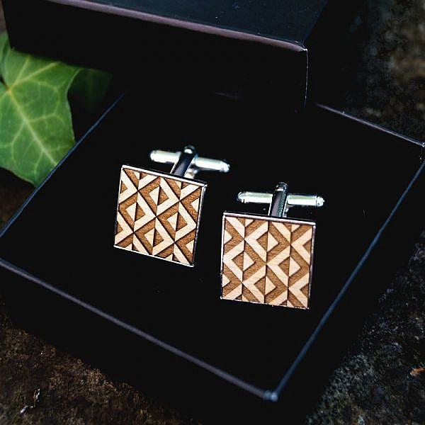 Boutons de manchette motif géométrique argent bois