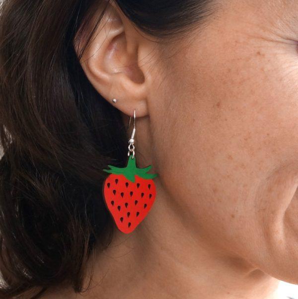 Boucles d'oreilles en bois fraises