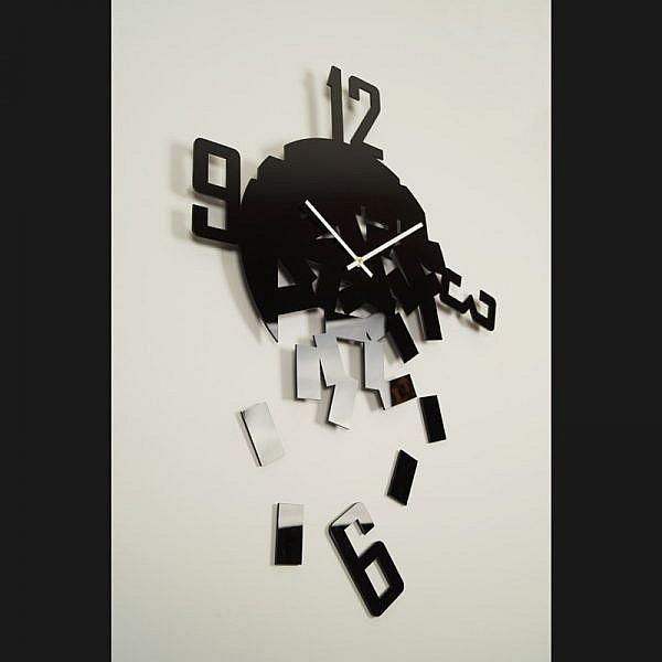 Horloge originale fragments noire