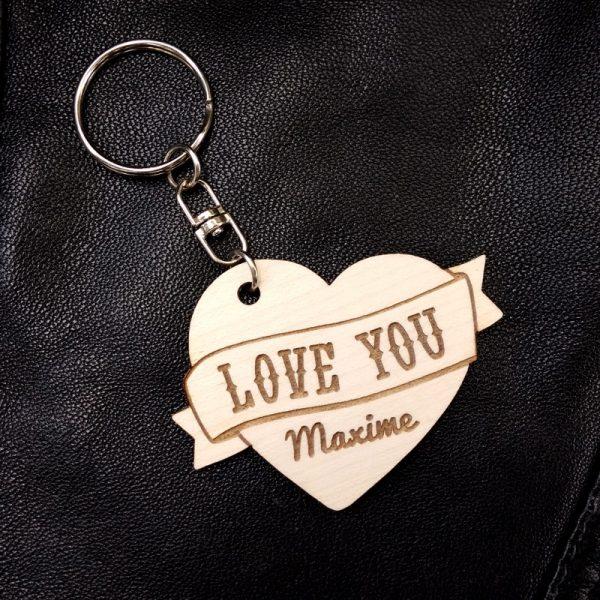 porte-clés coeur bois tatoo love you personnalisé prénom