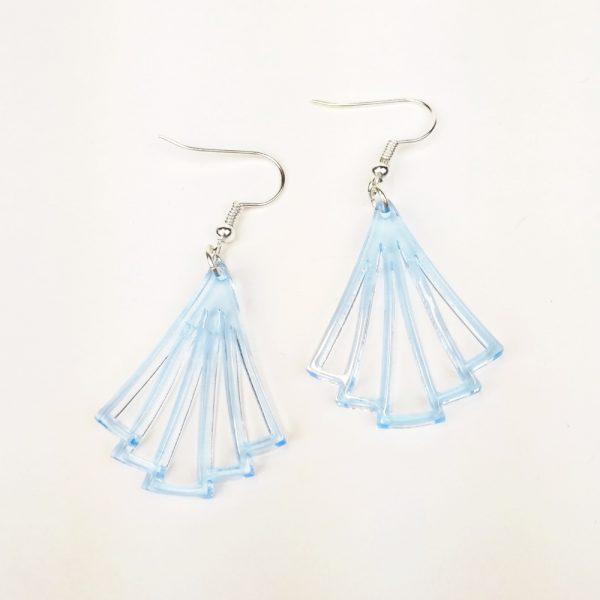 Boucle-oreille-petit-evantail-plexiglas-light-blue
